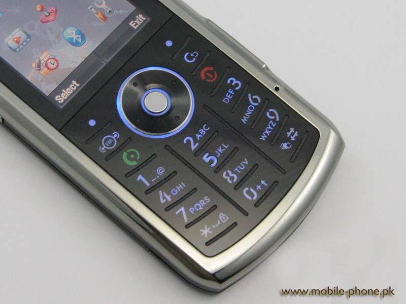 Видео телефона Motorola SLVR L9, видеообзоры