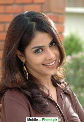 beautiful_genelia_dsouza_bollywood_mobile_wallpaper.jpg