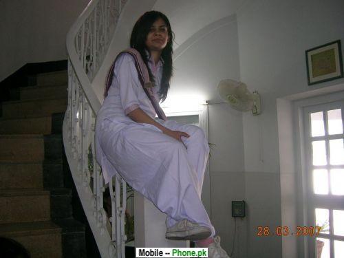 beautiful_school_desi_girl_desi_girls_mobile_wallpaper.jpg