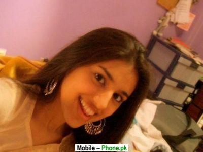 cute_paki_desi_girl_others_mobile_wallpaper.jpg