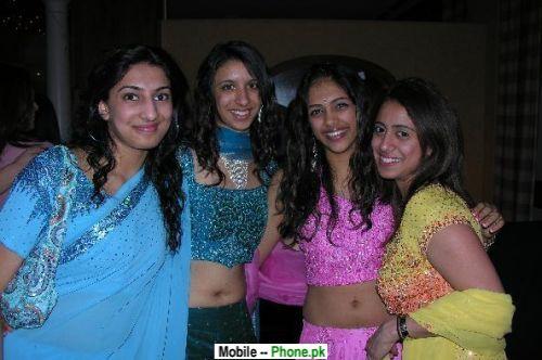 Desi Girls Group Bollywood...
