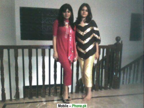 desi_hot_girls_at_college_desi_girls_mobile_wallpaper.jpg