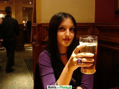 drinking_desi_girl_desi_girls_mobile_wallpaper.jpg