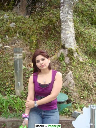 hot desi college girl hot pose shoot mobil camera