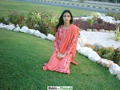 innocent_beauty_desi_girl_desi_girls_mobile_wallpaper.jpg