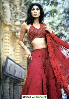 model_in_red_dress_bollywood_mobile_wallpaper.jpg
