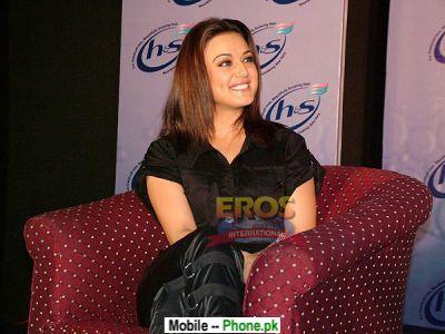 preity_zinta_bollywood_mobile_wallpaper.jpg